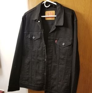 Men all black Levi Jean jacket